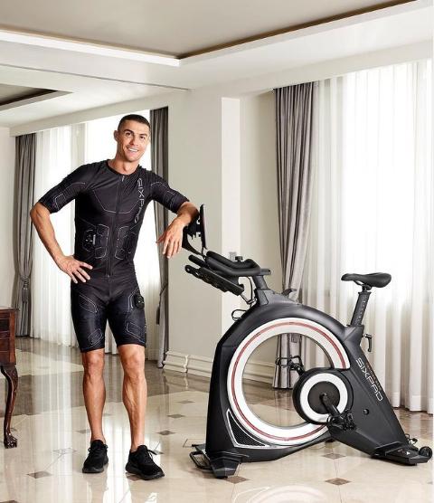 Роналду показал свой новый футуристичный велотренажер